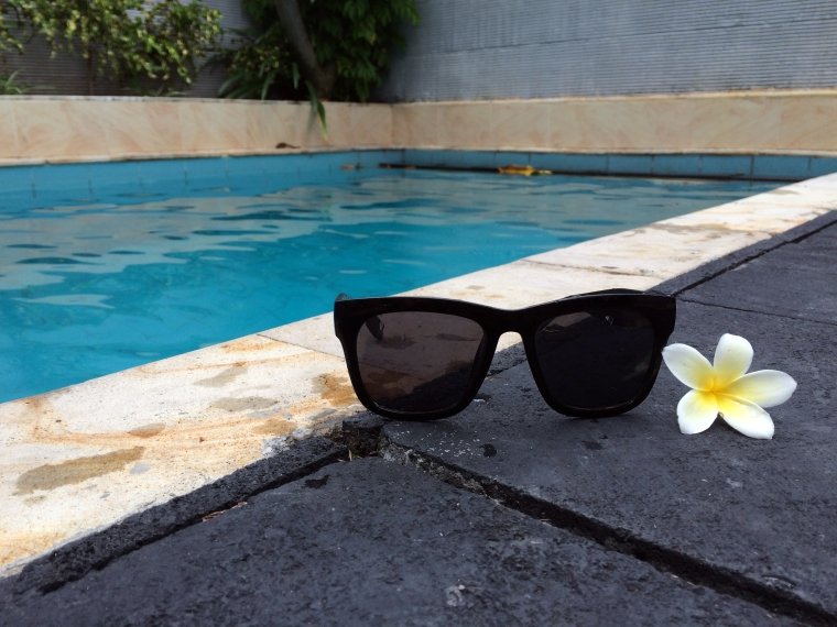 Kuta Lagoon Resort Shades.JPG