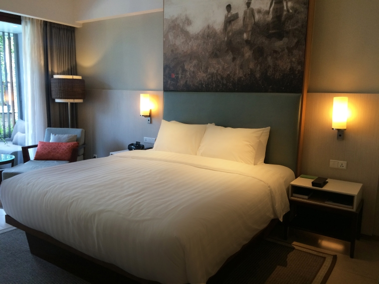 Courtyard by Marriott Bali Bed.jpg