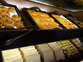 courtyard-by-marriott-bali-pastries