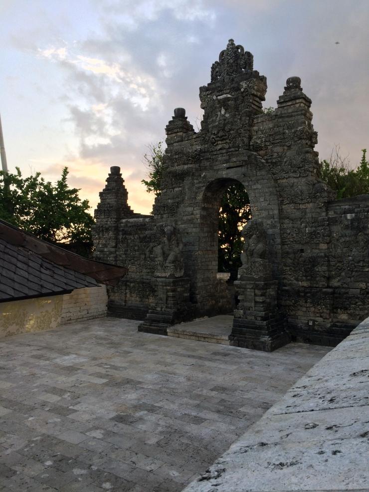 Uluwatu Temple Grounds.JPG