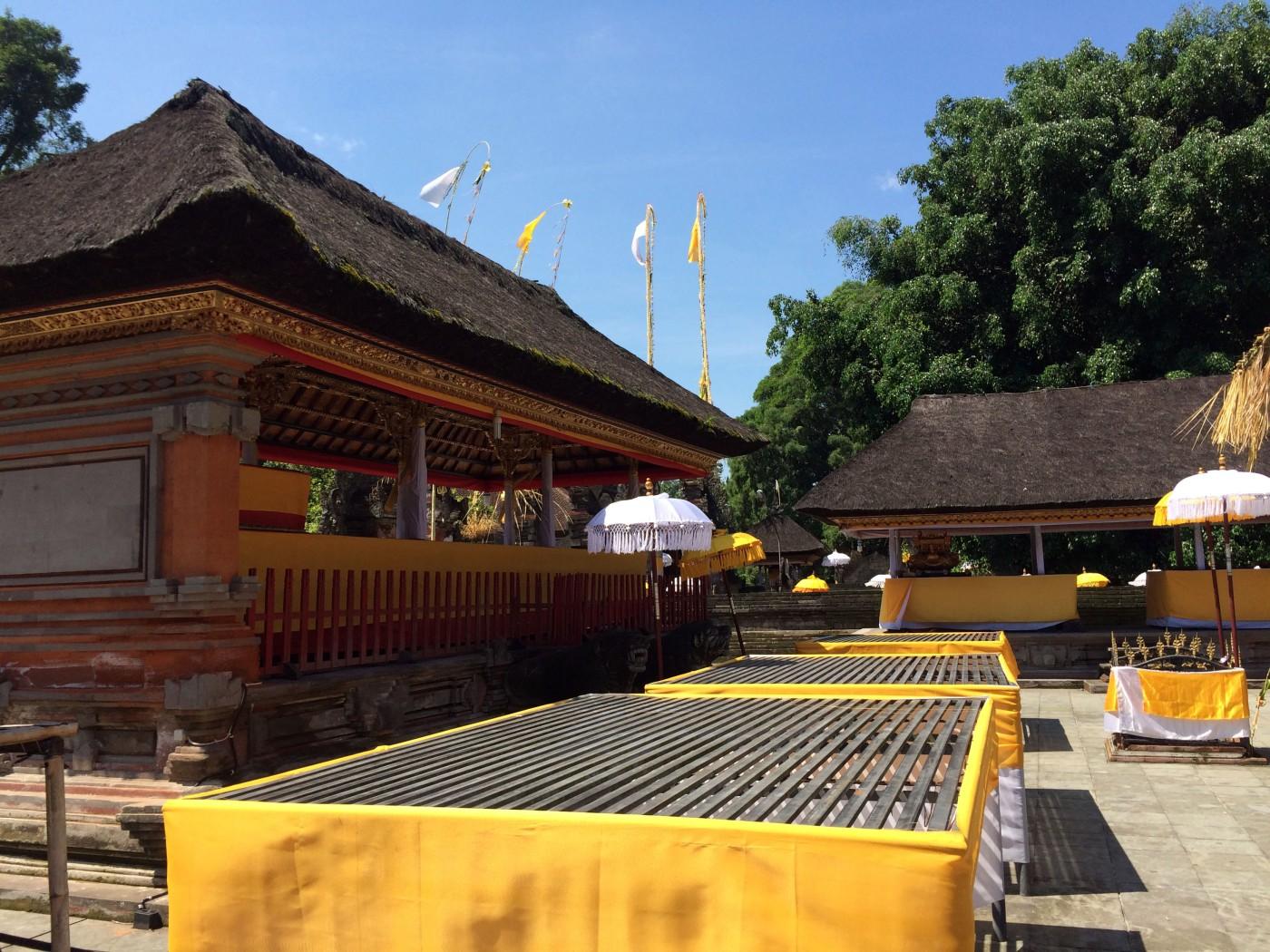 Tirta Empul Temple Ground.JPG