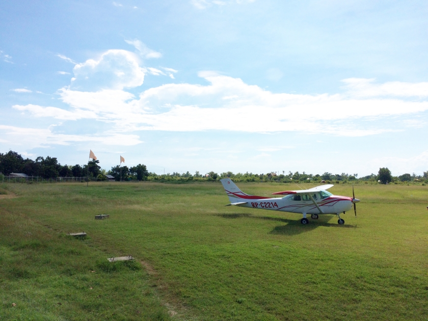 Cessna 172 Air Island Tours.JPG