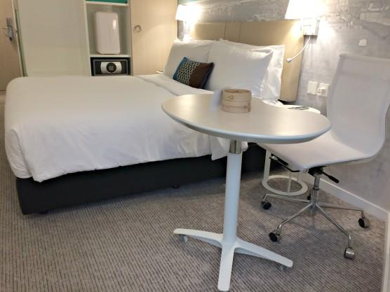 ozo-wesley-hong-kong-bed-and-table