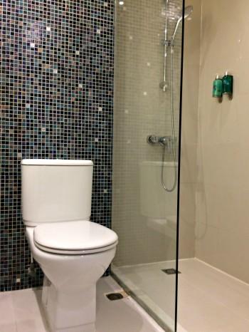 ozo-wesley-hong-kong-toilet