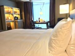 royal-plaza-hotel-bed-view