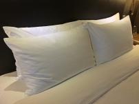 royal-plaza-hotel-pillows