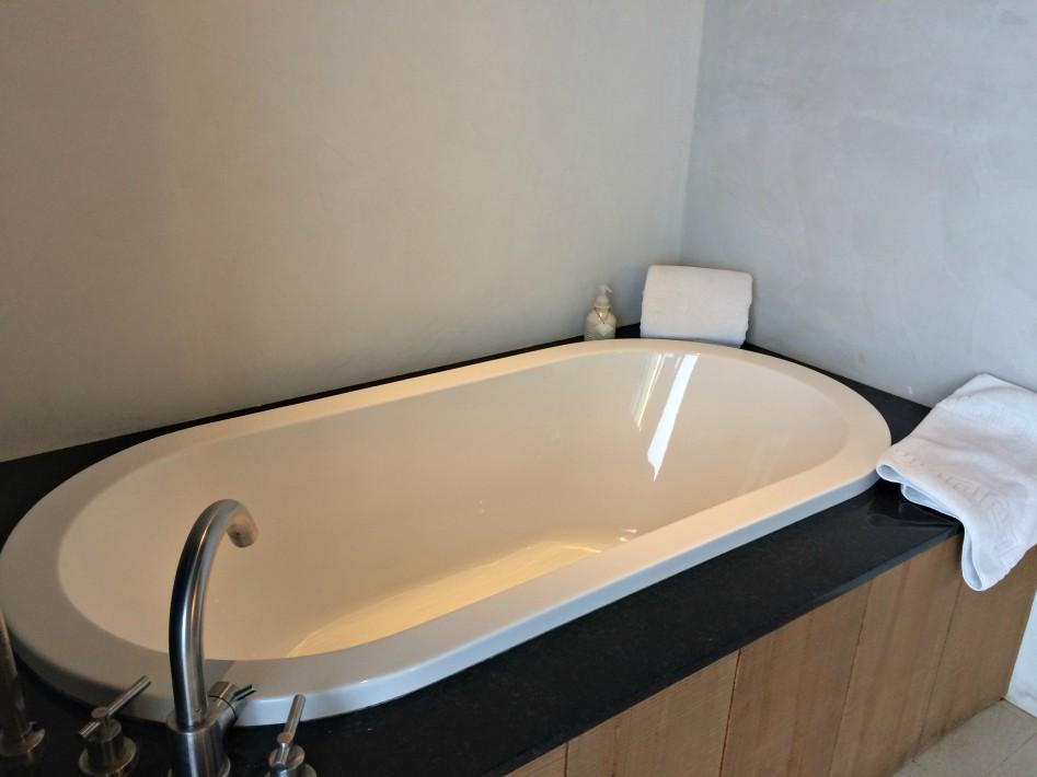 amorita-resort-tub
