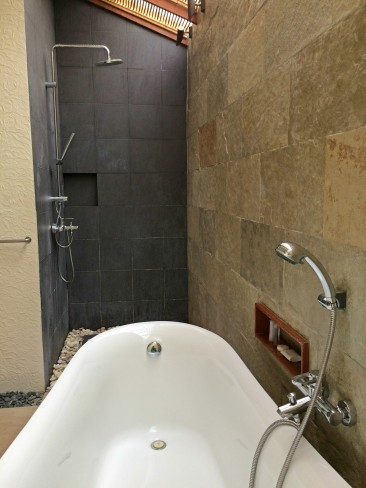 bluewater-maribago-shower