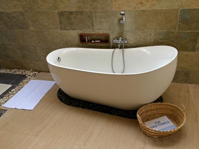 bluewater-maribago-tub