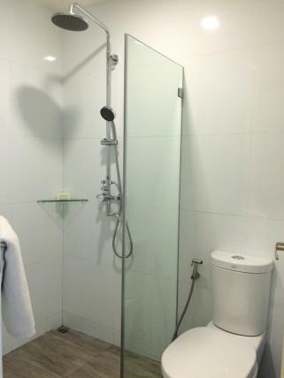 lime-hotel-bathroom