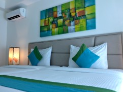 lime-hotel-bed-and-aircon