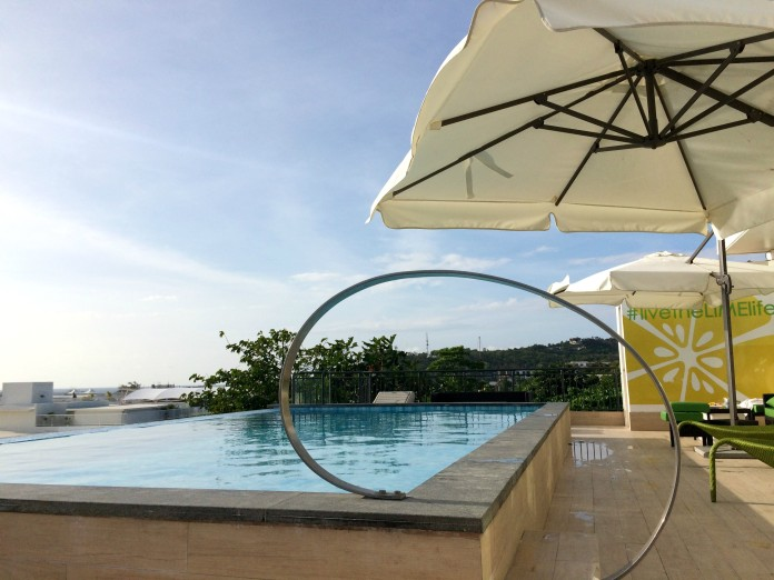 lime-hotel-swimming-pool