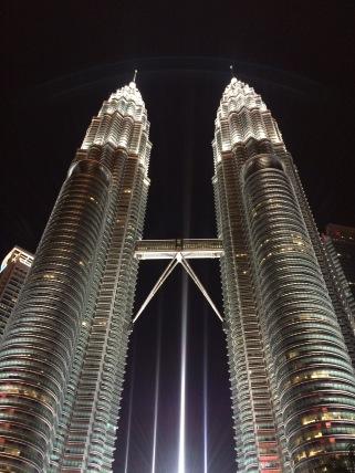 Petronas Towers Travelosio