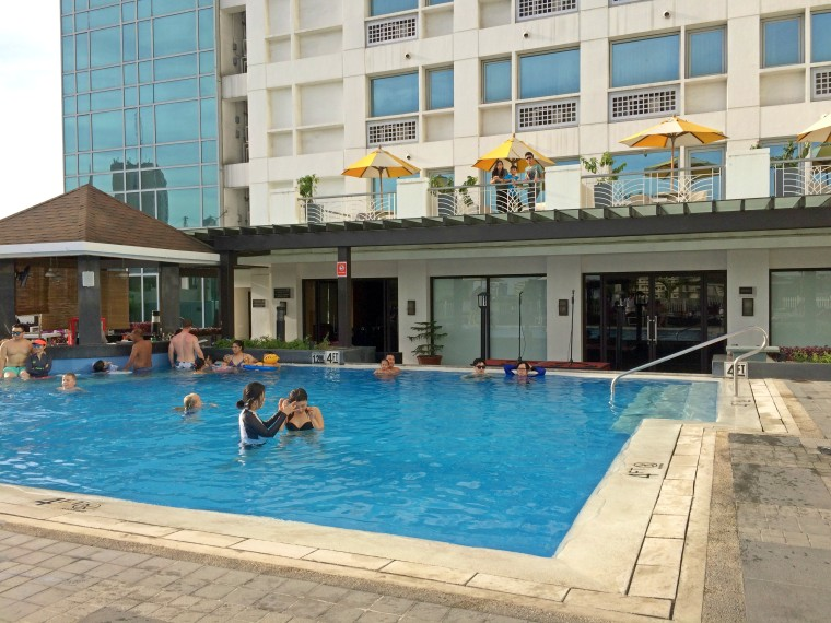 Pool Quest Hotel